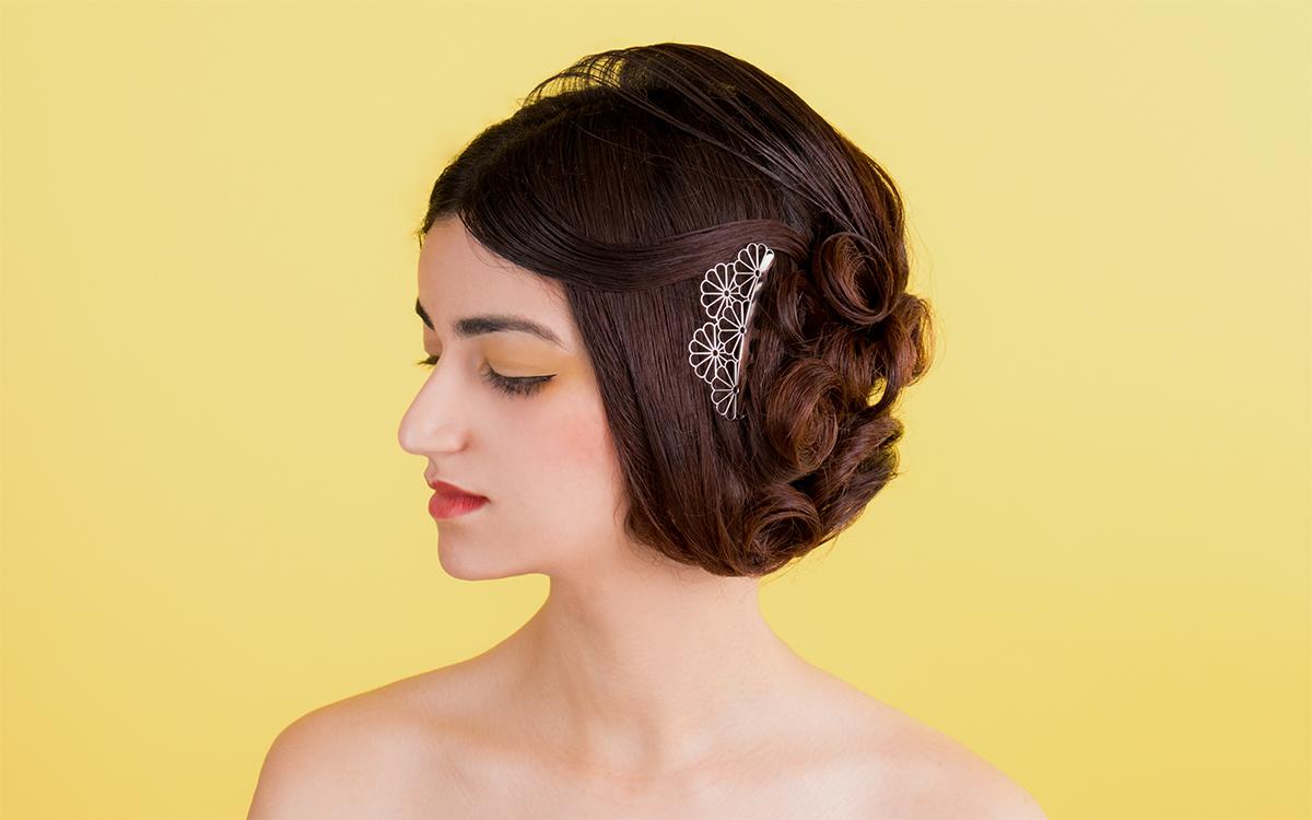 コームかんざしで結婚式などのお呼ばれヘアスタイルにもばっちり